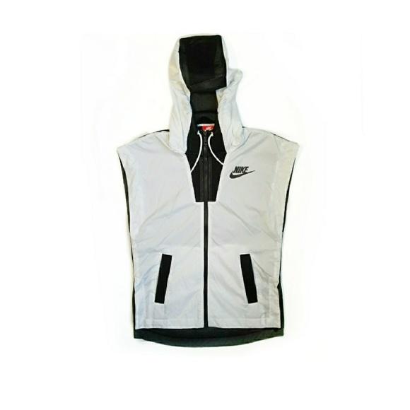 351ebd2aa443 NIKE Tech Hypermesh Women s Vest. M 5a3fe6cd8df470034f00c50d. Other Jackets    Coats ...